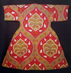 Silk Sultan's caftan from 16th century (museum Topkapi, Istanbul)