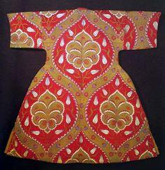 Sultan's caftan    silk caftan from 16th century (Museum Topkapi, Istanbul)