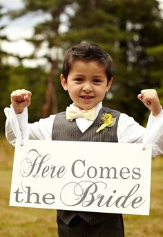 """I have two little boys in my wedding... I want one of the boys to hold a sign like this... and the other boy to hold a sign that says """"last chance to runI"""" I cant find a picture =("""
