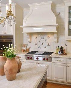 Kitchen with high gloss trim / Design by interior designer Carla Aston