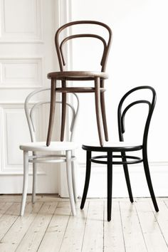 On my wishlist: Thonet chair Wicker Furniture, Design Furniture, Chair Design, Cool Furniture, Bentwood Chairs, Dining Chairs, Home Interior Design, Interior Decorating, Cool Chairs