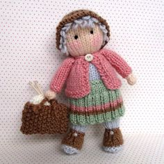 Granny Pearl loves knitting Knitting pattern by Dollytime GRANNY PEARL carries her bag wherever she goes as it always contains her latest knitting project. If she didn't have so . Love Knitting Patterns, Knitted Doll Patterns, Knitted Dolls, Crochet Patterns, Circular Knitting Needles, Double Knitting, Loom Knitting, Easy Knitting, Pearl Love