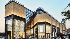 WF Central opens in historic Beijing area - Inside Retail Asia Mall Facade, Retail Facade, Street Mall, Shopping Street, Shopping Mall, Facade Design, Exterior Design, Modern Hospital, Facade Lighting