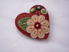 Felt Heart & Flower Brooch Rusty Red Apricot and Green