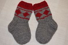 Hennin Höpötyksiä: villasukat Hennin, Knitting Videos, Mittens, Crocheting, Knit Crochet, Gloves, Slippers, Socks, Diy