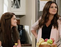 Tiffani Thiessen on Her New Netflix Sitcom, Alexa and Katie, and Saved By the Bell Reunions:… #Paparazzi #alexa #katie #netflix #saved