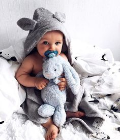 ❤️So cute 📸 @frkeinevoll ❌DELTA I VÅR GIVEAWAY @kvirrevitt.no 🌈 ◌ ◌ ◌ ◌ ◌ #momblogger #momblog #baby #infant #beautiful #babiesofinstagram #beautifulbaby #instagram_kids #igbaby #cutebaby #babystyle #babyfashion #igbabies #kidsfashion #cutekidsclub #ig_kids #babies #child#babymodel #children #instakids #fashionkids #repost#love#babyboy #kidsfashionforall#cuteangels