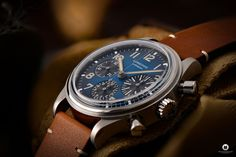 The Longines Avigation BigEye L2.816.1.93.2 is a pilot watch fan's dream. Everything about the special watch with the historical design! Watch Fan, Watch Blog, Watches Photography, 3 O Clock, G Shock, Retro Design, Omega Watch, Pilot, Brown Leather