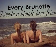 Every brunette needs a blonde best friend ❤