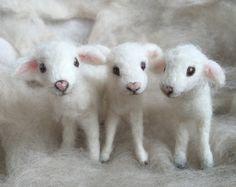 Nadel Gefilzte Lamm Baby-Schaf Poseable von ClaudiaMarieFelt