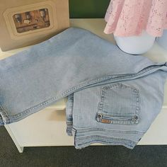 Capri Levi Strauss misses blue jean capris 99% cotton 1% spandex some wear noted along the top of the waistband. These were my favorite Capri last year but even with a belt they are too big now :) and need a new home Levi Strauss Pants Capris