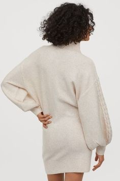 Short dress in soft, cable-knit fabric with wool content. Stand-up collar, dropped shoulders, and long balloon sleeves. Long Balloons, Light Beige, Fashion Company, Knitted Fabric, Cable Knit, Knit Dress, Everyday Fashion, Sleeve Styles, Henna