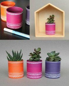 idee-fai-da-te-casa-barattoli-latta-decorati-vernice-acrilica-vaso-piantine-casetta-legno