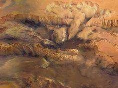 Mars Mariner valley