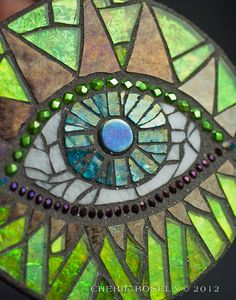 """""""Dragon Eye"""" mosaic by Cherie Bosela.via Janine Bruce would like to try this with the eye of ank Mosaic Wall, Mosaic Glass, Stained Glass, Glass Art, Mosaic Mirrors, Sea Glass, Mosaic Rocks, Mosaic Stepping Stones, Mosaic Crafts"""