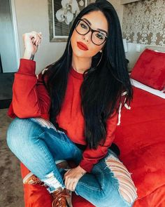 Glasses and beautiful makeup Inspirational ladies - . - Glasses and beautiful makeup Inspirational ladies – … – glasse - Cute Glasses, Girls With Glasses, Ladies Glasses, Womens Glasses Frames, Lunette Style, Fashion Eye Glasses, Makeup With Glasses, Foto Casual, Elegantes Outfit