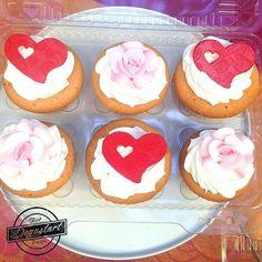 Regalonea a tu pareja con unos ricos cupcakes  Hagan sus pedidos a degustartcotizaciones@gmail.com o através de nuestro fanpage  #pasteleriaartesanal #gourmet #candybar #nakedcake #cake #reposteria #tortas #patiserie #weddingcake #cupcake
