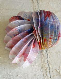 Eco design: Lampade a led di carta crespa. Handmade paper lamps shade, origami paper lamps by Alessandra Fabre Repetto Roma Italy