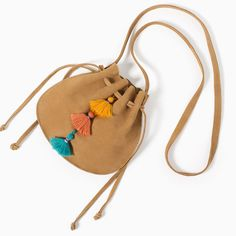 Image 2 of SPLIT SUEDE BUCKET BAG from Zara Handmade Handbags, Handmade Bags, Diy Crafts For Girls, Potli Bags, Girls Bags, Cute Bags, Small Bags, Leather Craft, Fashion Bags