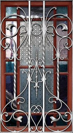 Steel furniture wrought iron design 28 new ideas Window Grill Design Modern, House Window Design, Grill Door Design, Door Gate Design, Wrought Iron Decor, Wrought Iron Gates, Iron Windows, Iron Doors, Iron Furniture