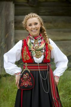 Norway Culture, Folk Costume, Costumes, Folk Clothing, Traditional Outfits, Scandinavian, Bohemian, Band, Cultural Center