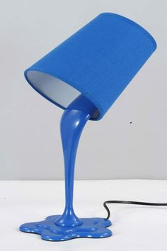 This is a reallyy cool lamp design! it looks like a paint bucket is spilling down paint. The paint is actually a hard plastic base and the bucket is a lamp shade. Room Lamp, Desk Lamp, Art Desk, Table Lamps, Painting Lamps, Luminaire Design, Home And Deco, Lampshades, Cool Stuff
