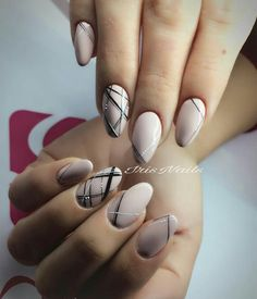 Nail Arts Fashion Designs Colors and Style - womenfashion Nail Art Stripes, Striped Nails, Fabulous Nails, Gorgeous Nails, Nail Art Diy, Cute Nail Art, Cute Nails, Pretty Nails, Latest Nail Art