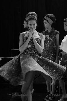 Las modelos se relajan antes de cada pasarela - ph: Guillermina Fernandez
