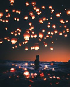 Pinterest Photography, Amazing Photography, Art Photography, Floating Lanterns, Sky Lanterns, Cool Photos, Beautiful Pictures, Monuments, Night Skies