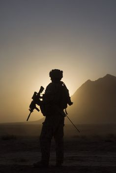 Never Be a Humanitarian Component to Military Action Military Guns, Military Love, Military Soldier, Military Photos, Soldado Universal, Indian Army Special Forces, Pak Army Soldiers, Indian Army Wallpapers, Soldier Silhouette