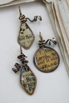 Recycled Books Resin Paper Wire Forms |  Just a few supplies and you can make this amazing project. #DiyReady http://www.diyready.com
