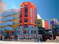 SHOP // at the colorful Ocean Walk Shoppes & Movies in Daytona. This multi-level shopping plaza features restaurants, specialty stores and a first-class movie theater. #daytona #spmvacations