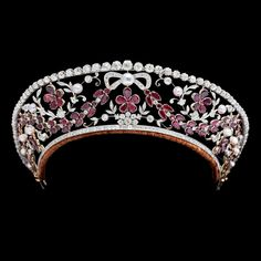 Danish Crown Jewels - Garnet and diamond tiara of Princess Viggo of Denmark,Countess of Rosenborg (born Eleanor Margaret Green) (1895-1966).