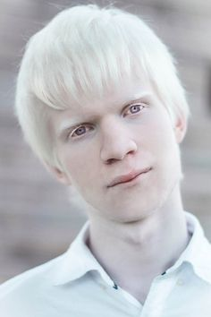 is it okay that i sometimes just look up photos of albino people if i want a mental image of aph prussia? bc i do that a lot Albino Model, Grey White Hair, White Blonde Hair, Just Beautiful Men, Beautiful People, Modelo Albino, Rare Albino Animals, Young Cute Boys, Gray Eyes