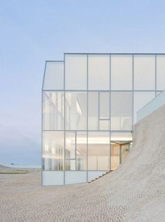 Astonishing Polycarbonate Architecture You Must Know - Page 23 of 45 Steven Holl Architecture, Museum Architecture, Minimalist Architecture, Modern Architecture House, Interior Architecture, Interior Design, Melbourne Architecture, Built In Furniture, Glass Facades