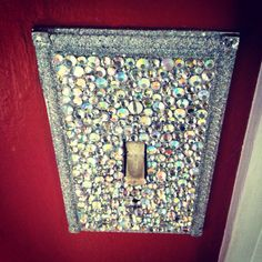 bling your light switch! perfect for a little girls room! perfect for MY room! Switch Plate Covers, Light Switch Plates, Light Switch Covers, Do It Yourself Design, Do It Yourself Home, Decoration Design, Deco Design, My New Room, My Room