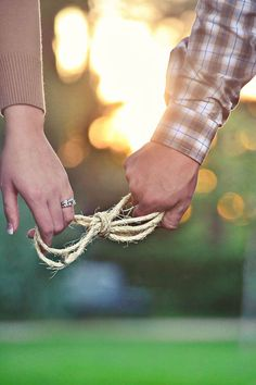 tie the knot wedding engagement photo ideas