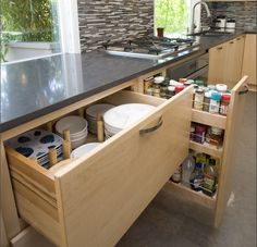 5 Tips to Organize Your Kitchen Drawers