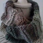 40.- Cuello doble con lana matizada / Double Cowl with multi colored print yarn