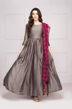 Relaxed grey maxi dress with pink & grey sunflower printed dupatta - surendri