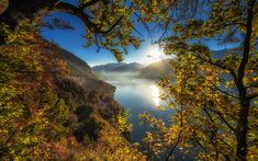 Download wallpapers Lake Thun, mountain lake, autumn landscape, mountains, autumn, Bernese Highlands, Bernese Oberland, Switzerland, Thunersee