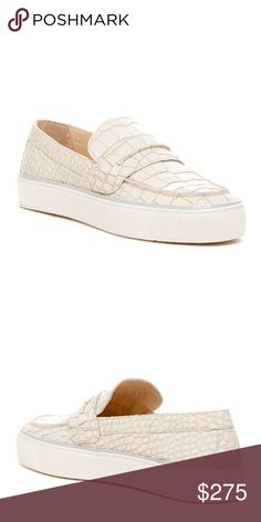 Stuart Weitzman Lounge Slip On Sneaker Gorgeous ivory Stuart Weitzman lounge slip on sneakers. Brand new! Super cute and order for fall. Wear with jeans. 83gvdvvg Stuart Weitzman Shoes Flats & Loafers