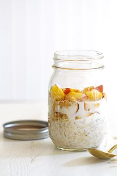 Peaches and Cream Overnight Oats. Peaches and Cream Overnight Oats-- deliciously fresh simple and easy to make breakfast with fresh peaches oats and cream. Brunch Recipes, Breakfast Recipes, Mexican Breakfast, Breakfast Smoothies, Breakfast Sandwiches, Breakfast Pizza, Breakfast Cookies, Breakfast Bowls, Breakfast Ideas