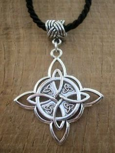 Celtic Necklace, Knot Necklace, Pagan Jewelry, Fantasy Jewelry, Jewelry Knots, Jewellery, Celtic Shield Knot, Knot Tattoo, Pentagram Necklace