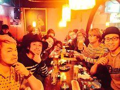 昨日はADAM atでLIVE@渋谷DUOやったからね( ̄Д ̄)ノ♪  ご来場頂いた皆様ありがとうございました✨写真はSchroeder-Headzさんとの打ち上げ♪同じステージに立つのが恐れ多いほど素晴らしい演奏&LIVEでした!
