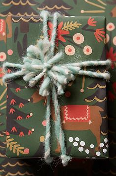 Adorable Reindeer Wrapping Paper #anthrofave http://rstyle.me/n/tbwtabh9c7