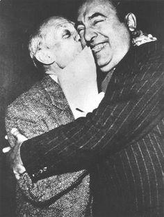 Picasso & Neruda, Pablo kissing Pablo.