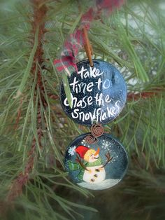 kimmykats Christmas Ornaments To Make, Christmas Snowman, Christmas Bulbs, Xmas, Snowman Quotes, Christmas Phrases, Poker Chips, Tole Painting, Polymer Clay