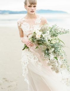 Loose beach bouquet