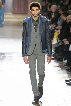 See all the Collection photos from Paul Smith Autumn/Winter 2017 Menswear now on British Vogue Men Fashion Show, Mens Fashion Week, Mens Fashion Suits, Fashion Fashion, Runway Fashion, Paul Smith, Snowboard, Oxford, Men Style Tips